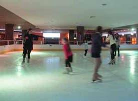 Beneficios en Pista de hielo Bowling & Co
