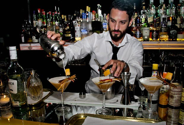 El barman argentino finalista de la Bacardí Legacy Cocktail Competition nos cuenta como preparar sus cocktails favoritos
