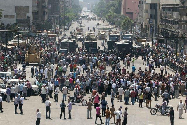 Las protestas se incrementan en diferentes ciudades como Alejandría (foto) y El Cairo