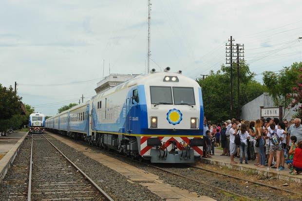 Concluyeron con éxito las pruebas para poner a andar nuevamente el tren Buenos Aires-Rufino