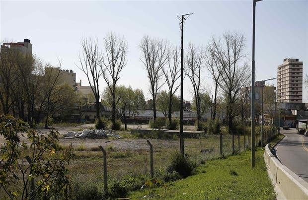 El terreno de la avenida Avellaneda y Fragata Sarmiento permanece hoy ocioso