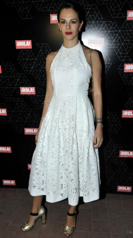 Yanina Screpante le dio la bienvenida a la primavera con un vestido blanco. Foto: /Gerardo Viercovich