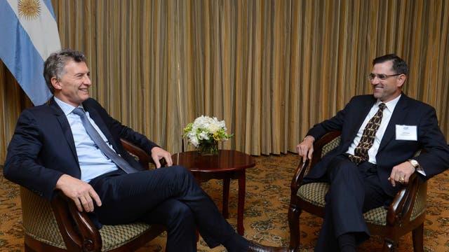 El presidente Mauricio Macri recibio a Jeff Miller, titular de la firma Halliburton, que es una de las mayores proveedoras de productos y servicios de energía del mundo. Foto: DyN / Presidencia