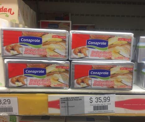 La manteca uruguaya de Conaprole, en un supermercado de Caballito, a $ 35,99 los 200 gramos