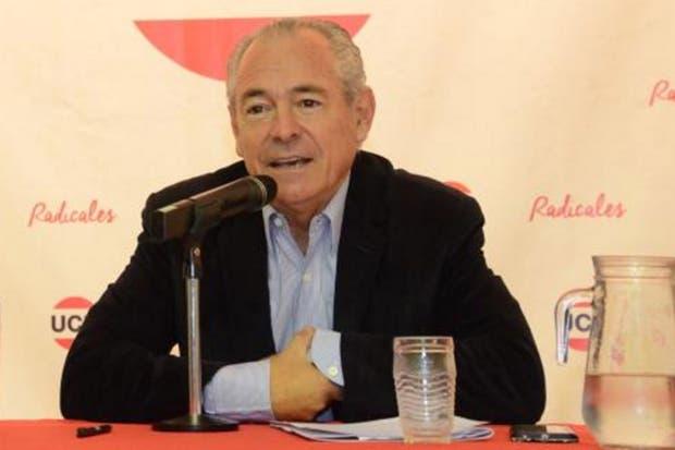 El diputado nacional Mario Barletta aceptó el ofrecimiento del presidente Mauricio Macri para hacerse cargo de la representación argentina en Montevideo