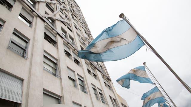 Banderas argentinas en el frente
