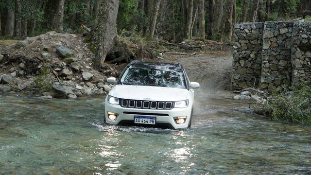 Fieles a la tradición de confort y robustez de Jeep, todos los vehículos de la marca respondieron a las exigencias del terreno .