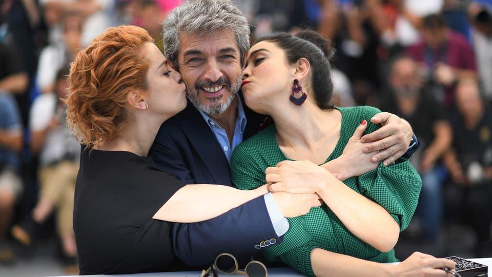 En el festival de Cannes Ricardo Darín, Erica Rivas, Dolores Fonzi y Santiago Mitre presentaron la película La Cordillera. Foto: AFP