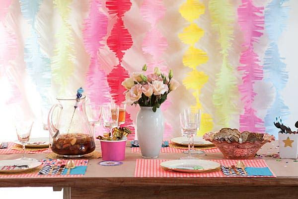 Así como la ves, ¡esta mesa no es un decorado! Acá almorzamos y chusmeamos. Foto: Victoria Schiopetto. Producción de Yamila Bortnik
