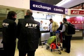 Los controles en el mercado cambiario generaron tensión y críticas, hasta en los periodistas militantes K