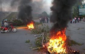 Vecinos de villa La Ribera cortaron en la tarde de ayer la autopista Buenos Aires-La Plata