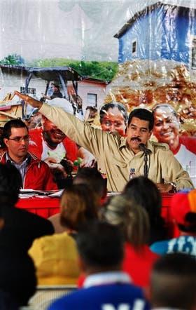 Maduro, en un encuentro con líderes comunitarios, ayer, en Caracas