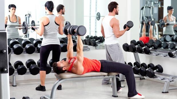 Hacer ejercicio en la comodidad del hogar es una fórmula que mucha gente intenta, pero que no siempre ofrece resultado.