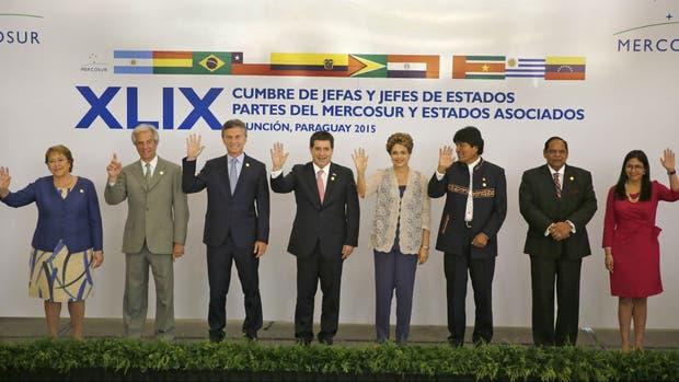Los presidentes de los Estados miembros y asociados del Mercosur, en la reunión de diciembre en Paraguay