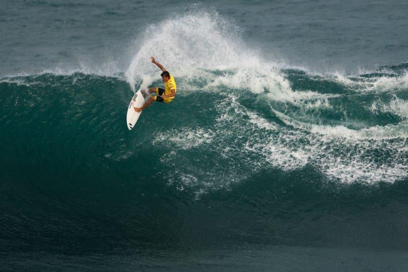 Abrimos con surf, para recordar los orígenes de los flashes. Foto: EFE