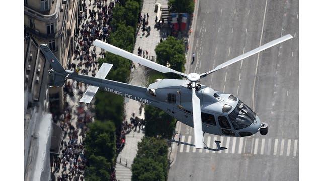 Vista aérea de un helicóptero Fennec del ejército francés