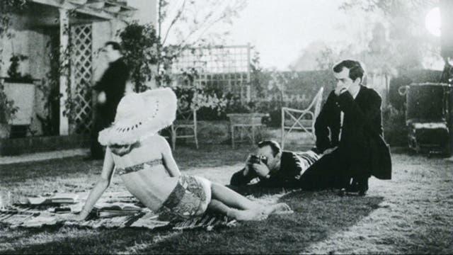 Si bien Vladimir Nabokov adaptó su propia novela, Kubrick no tuvo demasiado contacto con él durante el rodaje de Lolita
