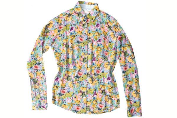 Camisa de corte clásico (Levi''s, $529).