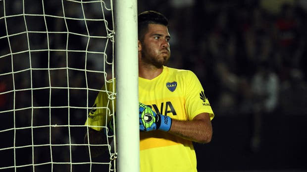 Como quería Guillermo, Rossi ya sabe lo que es defender el arco de Boca