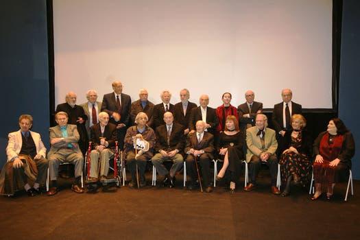 Premios Cultura Nación 2007, junto a José Nun, Clorindo Testa, Raúl Lozza, Eduardo Falú y Mercedes Sosa entre otros. Foto: Archivo / Télam