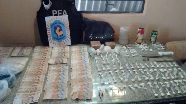 La Policía Federal secuestró 1,2 kilos de cocaína fraccionados en más de cien bolsitas