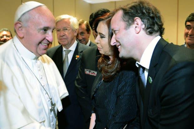 Martín Insaurralde pudo darle la mano al Papa en Brasil.