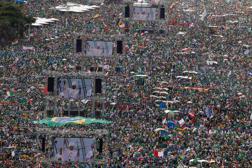 Millones de personas inundaron las playas de Copacabana para ver al Papa. Foto: Reuters