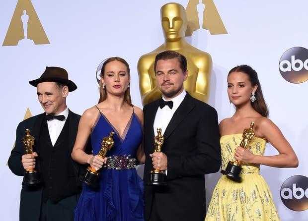 Cuarteto ganador: Mark Rylance, Brie Larson, Leonardo DiCaprio y Alicia Vikander