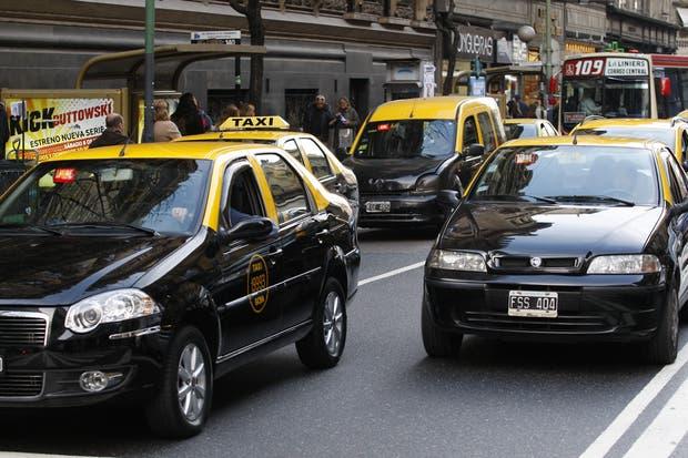 El Gobierno de la Ciudad planea lanzar BA Taxi, su propia aplicación móvil para taxistas en respuesta a la propuesta de Uber