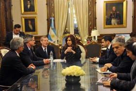 El 16 de julio del año pasado Cristina y Galuccio se reunieron con el CEO de Chevron, John Watson, tras la firma del acuerdo