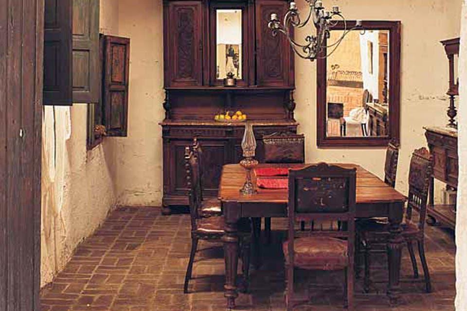Cómo tratar los muebles deteriorados por polillas y termitas