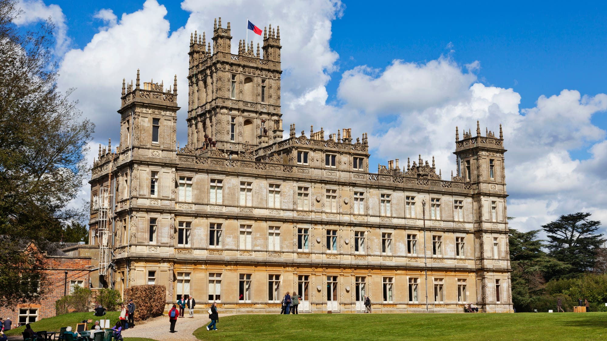 Cinco lugares para adictos a Downtown Abbey