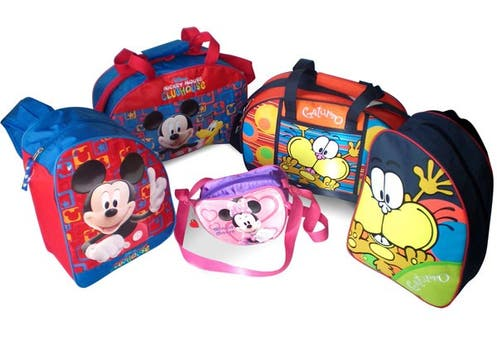 Los personajes de Disney, El extraño mundo de Jack, Pucca, Barbie y Gaturro llegaron a las mochilas y bolsos de Magneto, desde $21.90. www.magneto.net.ar. Foto: lanacion.com
