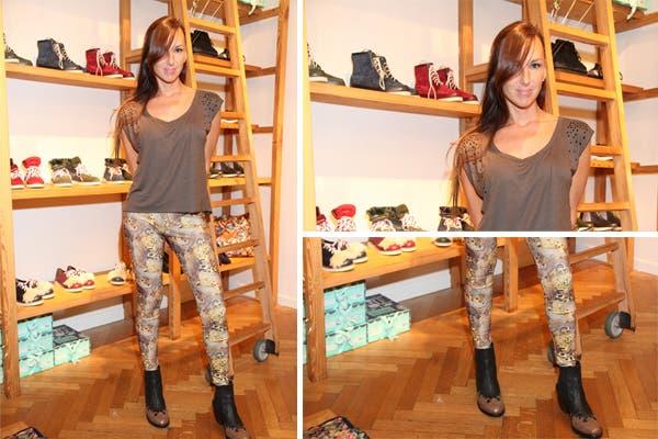 Catarina Spinetta se jugó con unas calzas estampadas bien al cuerpo y booties texanas. ¿Te gusta cómo le queda?. Foto: Mass PR
