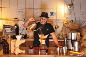 Alexis Zagdañski creó LAB Tostadores de Café, que provee cafés personalizados a diversos clientes