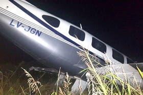 La avioneta cayó muy cerca de una línea de alta tensión