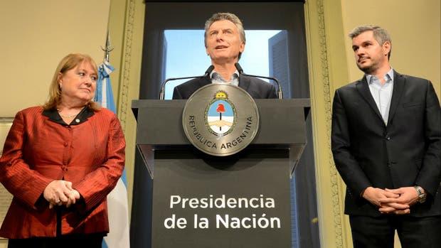 Malcorra, Macri y Peña, al hacer el anuncio