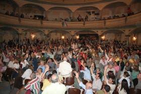 Anoche, los asambleístas de Gualeguaychú votaron en favor de volver a cortar los puentes a Uruguay