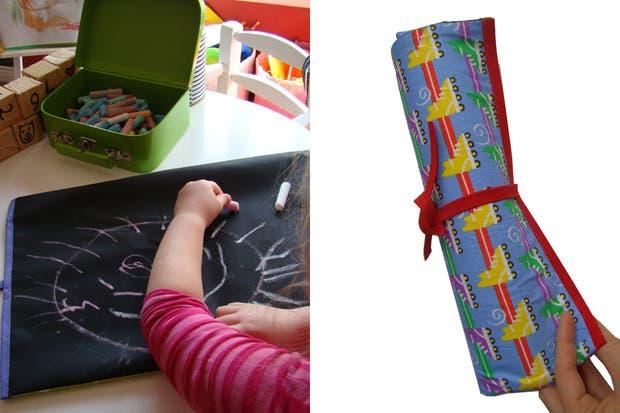 Pizarra enrollable de tela (Perinola, $50) que incluye trapito borrador y tizas. Perfecta para llevar en la mochila y poder dibujar donde quieran.