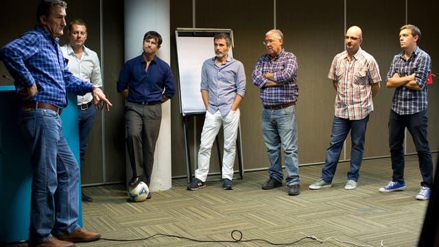 Visita, recorrida, fotos y charla del DT de la seleccion Argentina en La Nacion.. Foto: Jorge Bosch