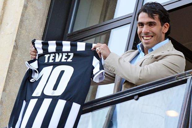 Carlos Tevez llegó a Turín para transformarse en nuevo jugador de Juventus.  /ANSA