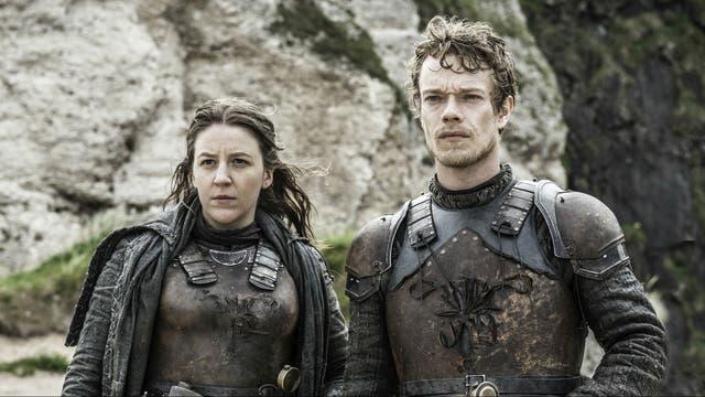 Theon y Yara son hermanos pero mucho no se quieren