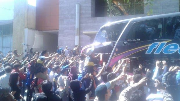 Una multitud recibió a Boca en Salta