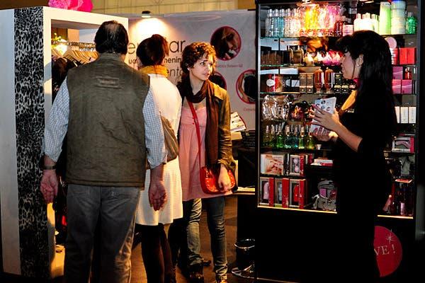 Muchos interesados en productos de cosmética erótica. Foto: Gentileza Sexpoerótica