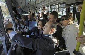 La selfie del Metrobus: Calderón, ex presidente de México, junto al alcalde de Quito y la de San José de Costa Rica