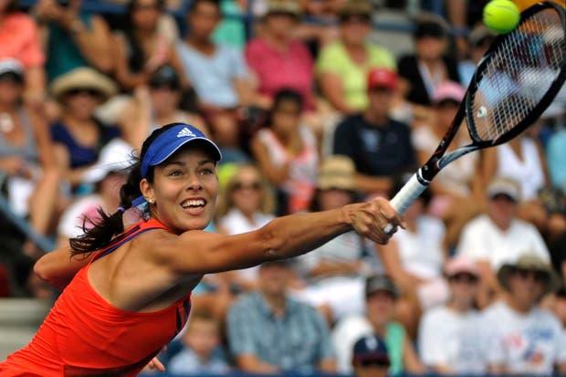 La serbia Ana Ivanovic derrotó a Anna Tatishvili por 6-2 y 6-0.  /Fotos de EFE, AP, AFP y Reuters