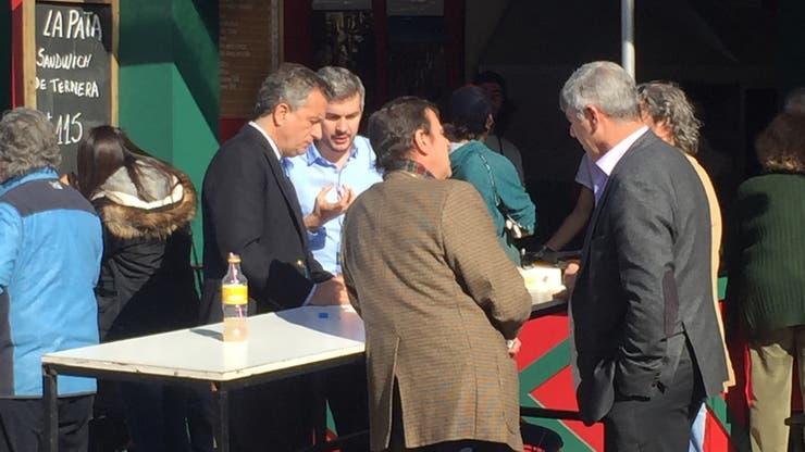 El jefe de Gabinete, Marcos Peña recorrió la Rural junto al ministro de Agroindustria, Ricardo Buryaile y el presidente de la Rural, Luis Miguel Etchevehere