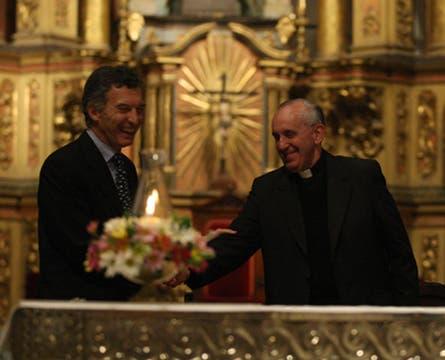 La misa significó además el primer encuentro cara a cara de Bergoglio con el jefe de gobierno porteño, Mauricio Macri. Foto: LA NACION / Ricardo Pristupluk