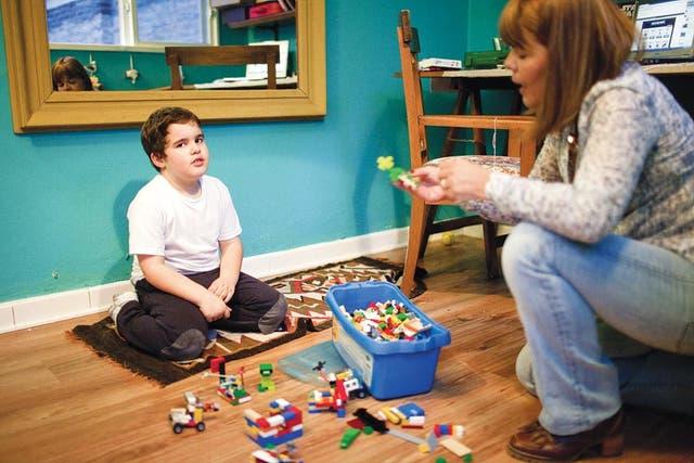 Vínculos. El gran punto por trabajar con los niños con Asperger es el de los lazos sociales