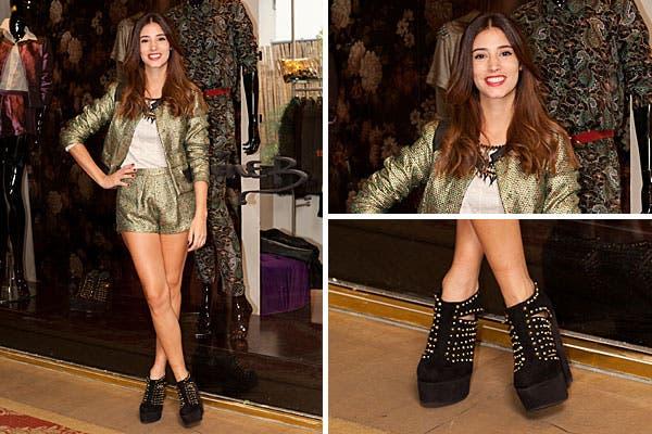 Agustina Córdova eligió un conjunto de short y chaqueta en dorado y verde para ir al evento de Josephine B. Foto: Mass Grupo PR